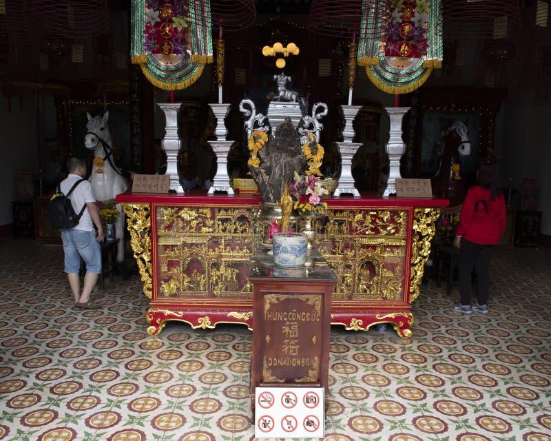 Chinees altaar, Kantonese Montagehal in Hoi An royalty-vrije stock foto's