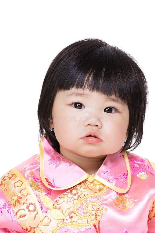 Chinees babymeisje met traditioneel kostuum royalty-vrije stock foto's