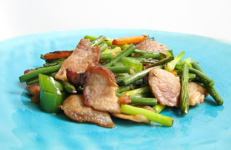 Chinees dagelijks voedsel gebraden varkensvlees stock foto's