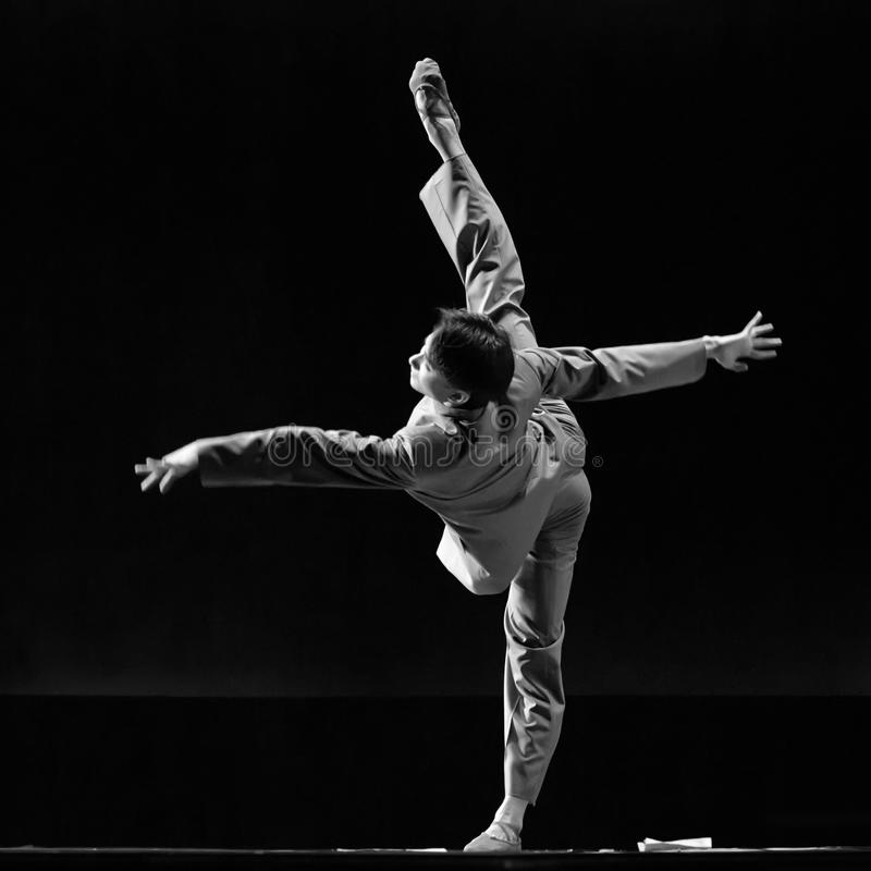 Chinees danst solo   royalty-vrije stock foto's