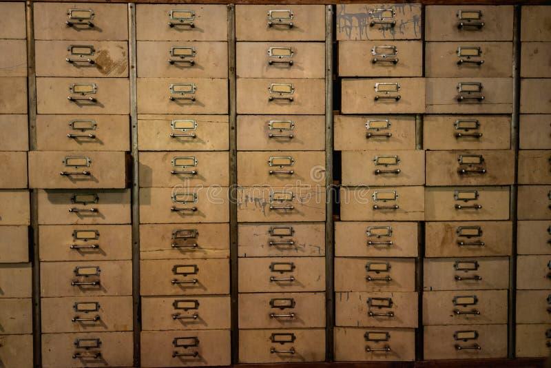 Chinees geneeskunde houten kabinet, plank, uitstekende Chinese lade, hij stock foto