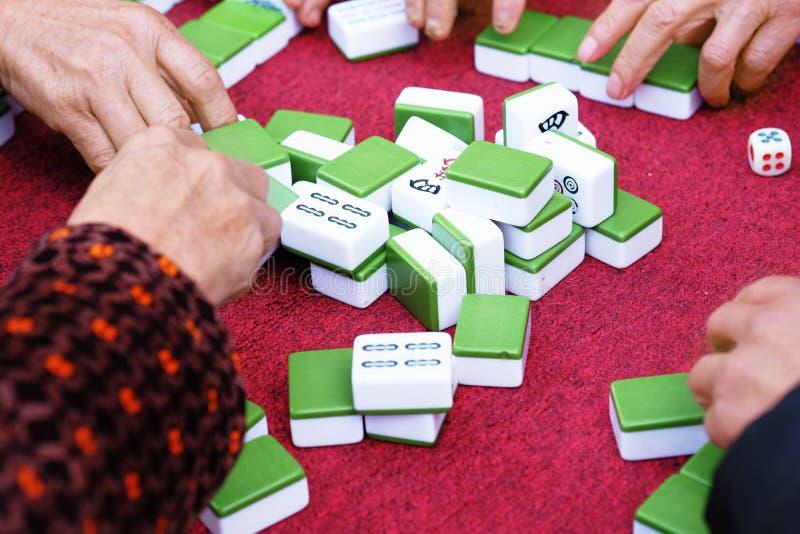 Chinees het spelen mahjong royalty-vrije stock afbeelding