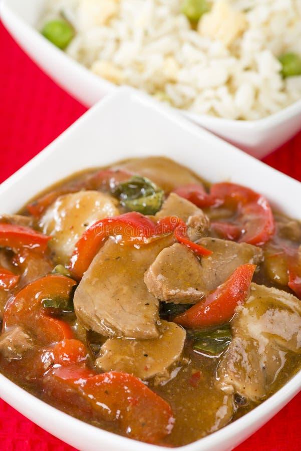Chinees Stijlvarkensvlees met Spaanse pepers royalty-vrije stock foto