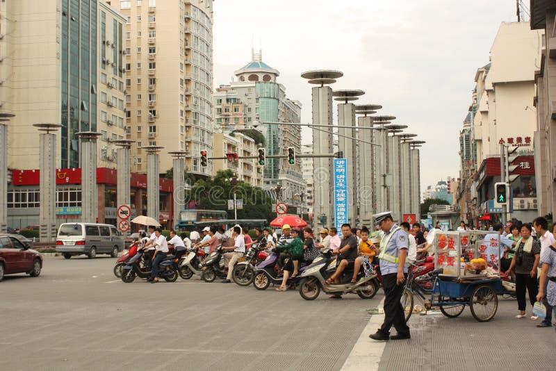 Chinees verkeer en wegongeval met politieagent royalty-vrije stock foto's