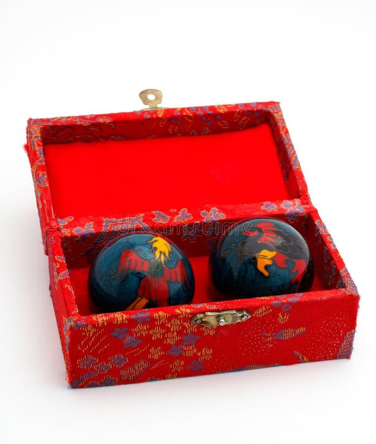 Chinese ballen binnen de rode doos stock afbeelding