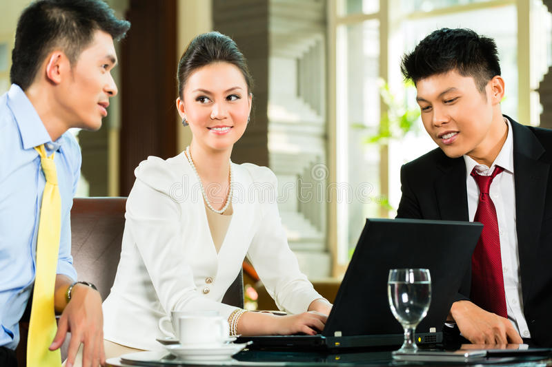 Download Chinese Business People T Presentation Meeting Stock Photo - Image: 37934200