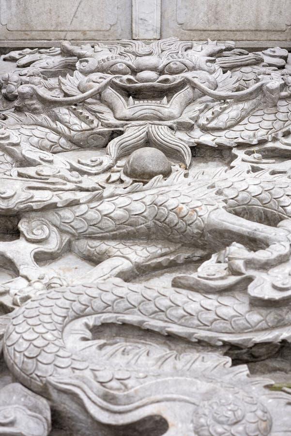 Chinese Draak - witte marmeren hulp royalty-vrije stock fotografie