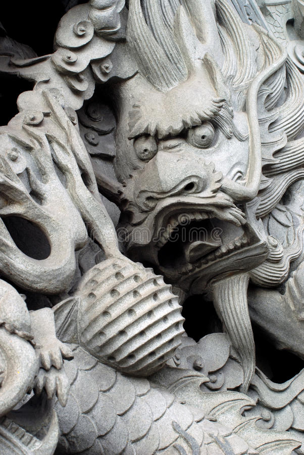 Free Chinese Dragon On Temple S Pillar. Stock Photography - 11474652