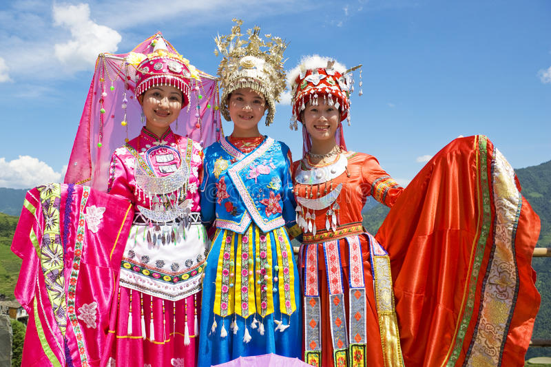 Download Chinese Ethnic Girls In Traditional Dress Editorial Stock Image - Image: 10548469