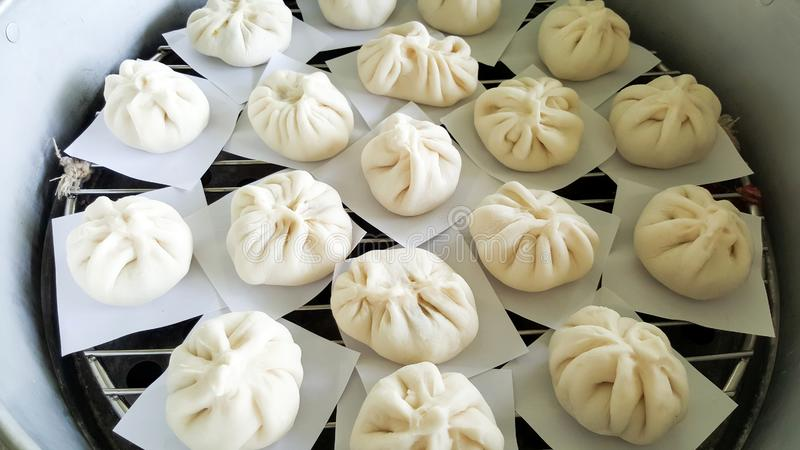 Chinese gestoomde eigengemaakte broodjes royalty-vrije stock afbeelding