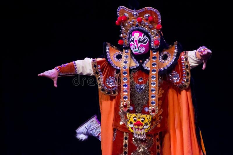 Chinese gezicht-Veranderende prestaties. Het Festival 2013 van de lente royalty-vrije stock afbeelding