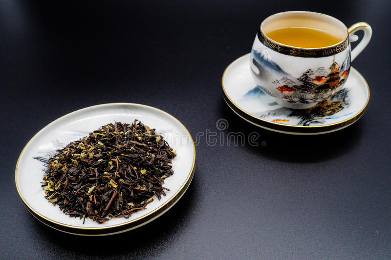 Chinese green tea and porcelain cups stock photography