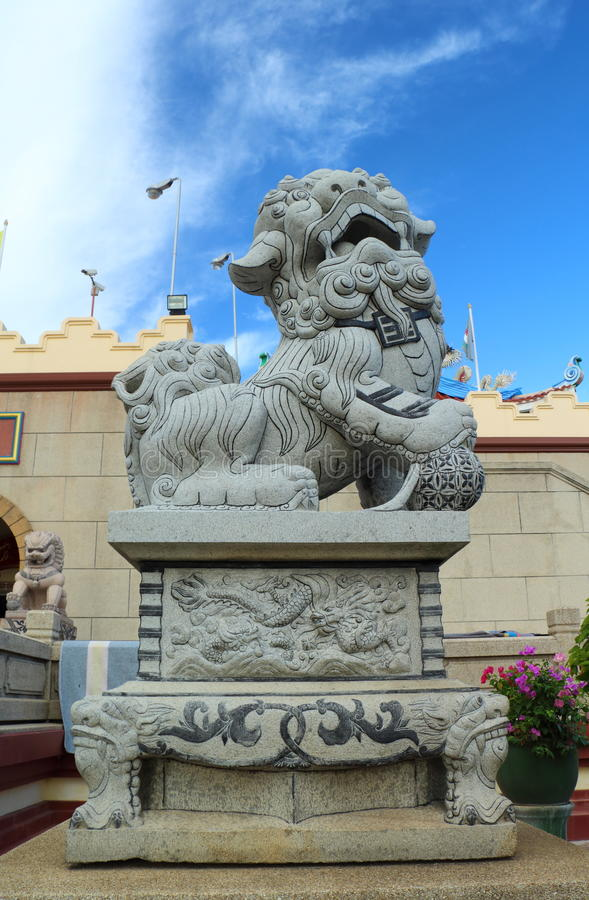 Download Chinese Lion Statues In Chinese Temple Stock Image - Image: 35006537