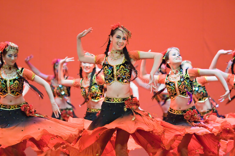 Chinese mensenvolksdans stock foto