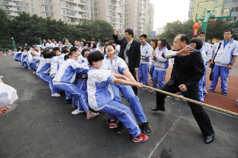 Download Chinese Middle School Tug Of War Competition Editorial Photography - Image: 24592262