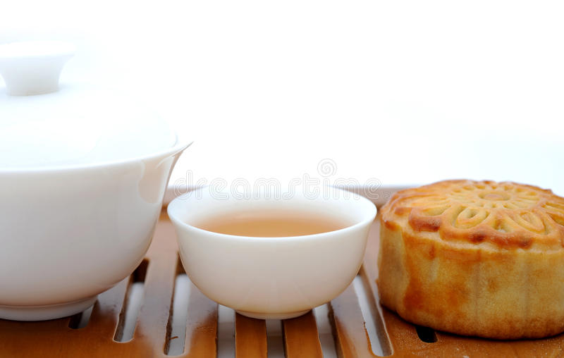 Download Chinese Moon Cake And Tea Stock Image - Image: 13197021