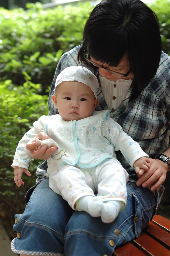 Chinese Mother And Baby Stock Photography