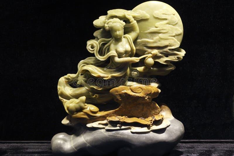 Chinese mythologiekarakters in de steen het snijden kunst van het verhaal stock fotografie
