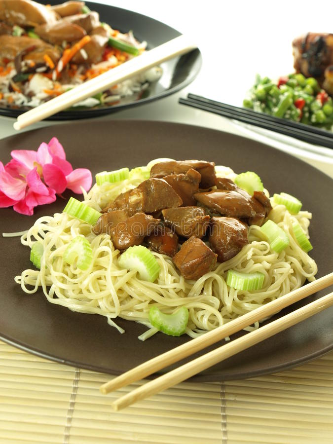 Chinese Noodles With Chicken Royalty Free Stock Images