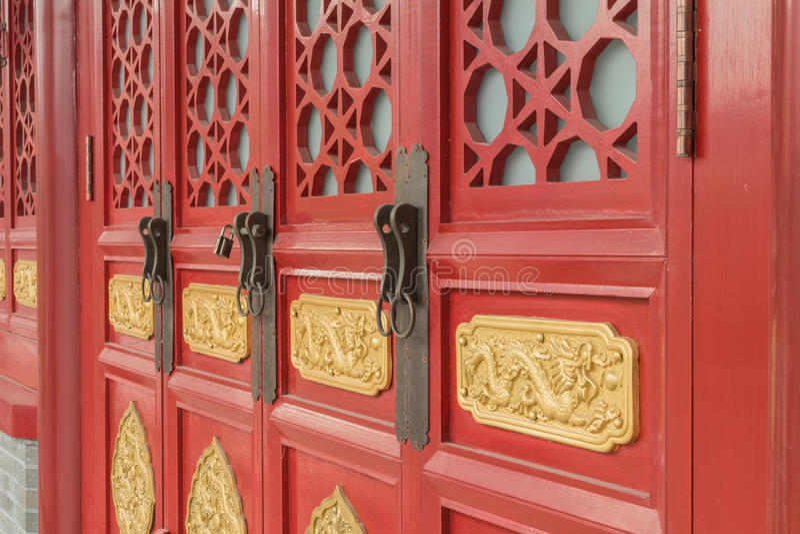 Chinese oude de bouwdeuren en Vensters royalty-vrije stock foto's