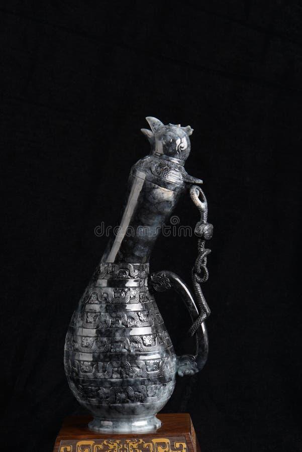 Chinese oude jade het snijden kunst op een zwarte achtergrond royalty-vrije stock foto