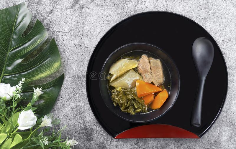 Chinese plantaardige die hutspot met varkensvlees, met vele soorten vege wordt gevuld royalty-vrije stock foto