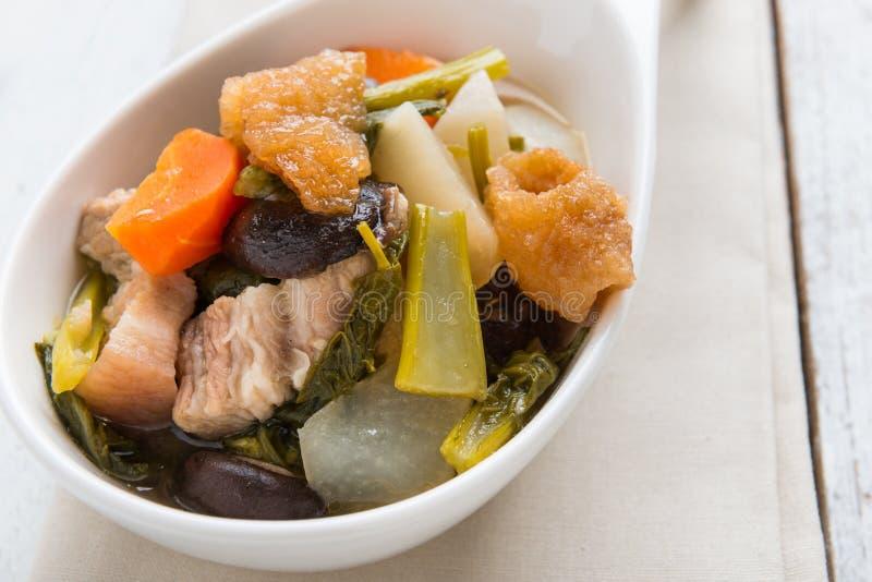 Chinese plantaardige hutspot, mengsel van groenten en varkensvlees stock afbeelding
