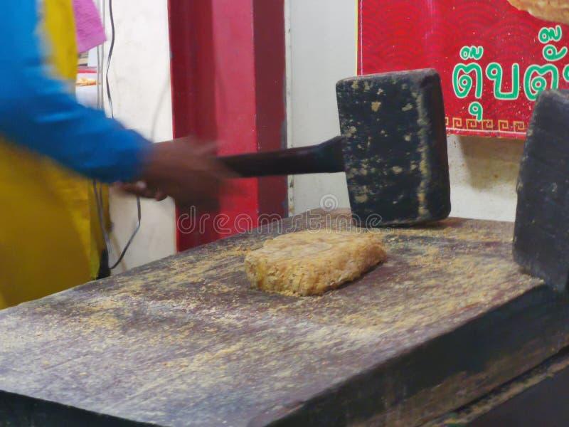Chinese& x27;s snack gemaakt van noten en smeltsuiker genoemd TubTab royalty-vrije stock foto's