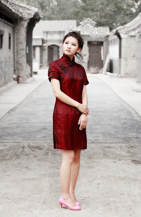 Chinese schoonheid in de steeg stock afbeelding