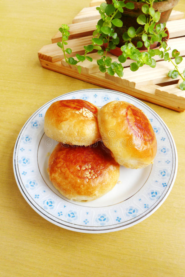 Download Chinese Snack - Bean Paste Pastry Stock Photo - Image of snack, small: 33452406