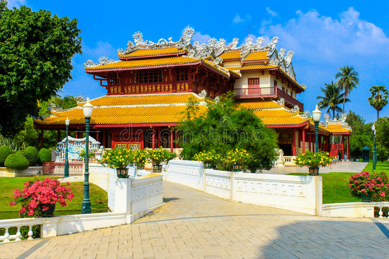 Download Chinese Style Palace Of Wehart Chamrunt In Bang Pa-In Palace, Ay Stock Image - Image: 31271475