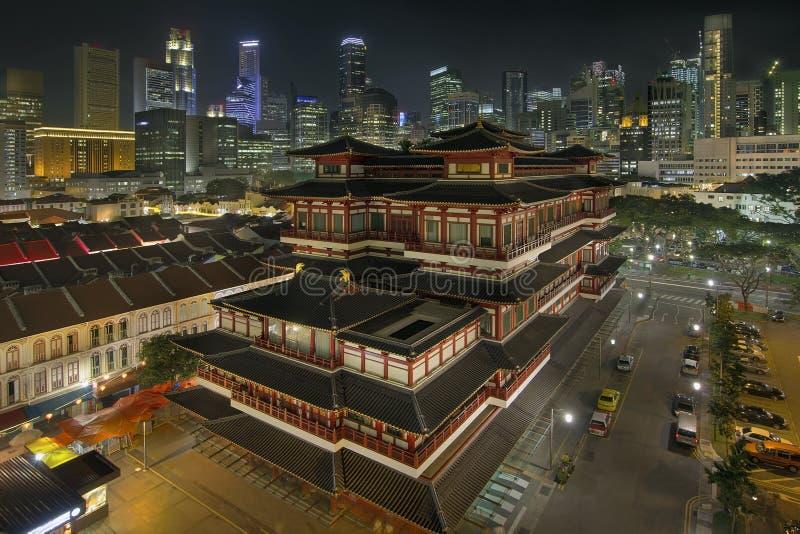 Chinese Tempel in de Chinatown van Singapore bij Nacht royalty-vrije stock foto's