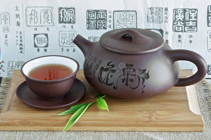 Chinese theepot en thee stock foto