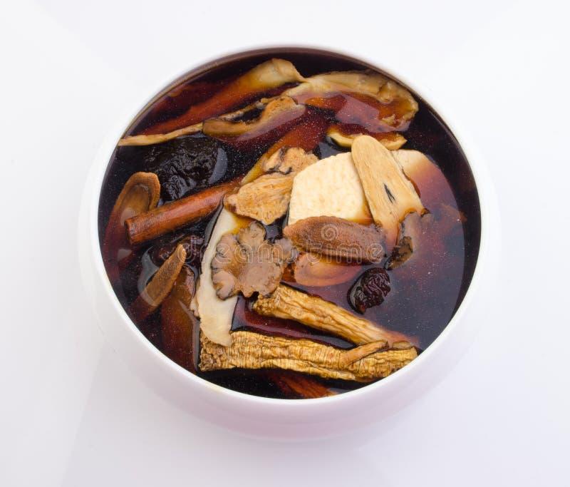 Chinese traditionele kruiden of geneeskunde de Chinese woorden is niet royalty-vrije stock fotografie