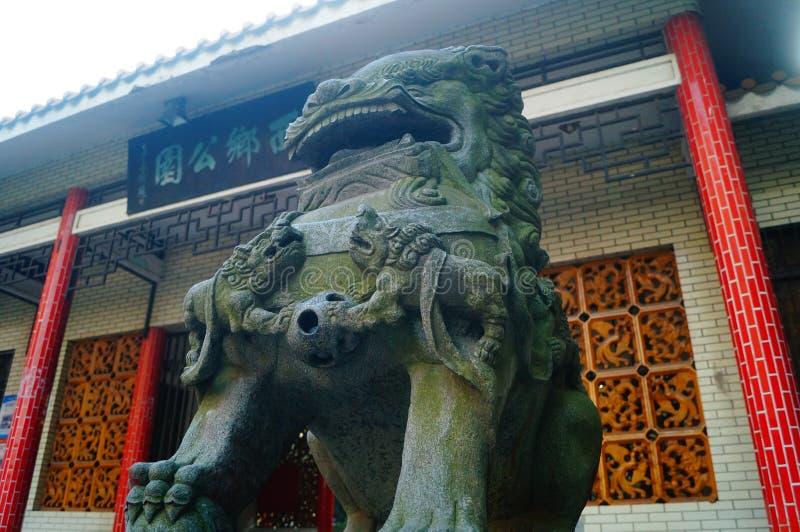 Chinese traditionele volksdecoratie: steenleeuw stock afbeeldingen