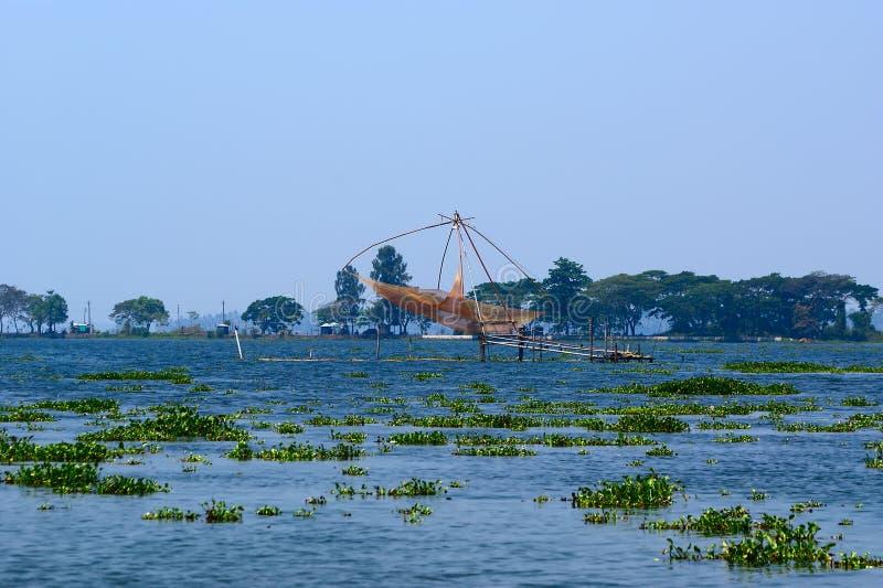 Chinese visserijnetten. Het Meer van Vembanad stock afbeeldingen
