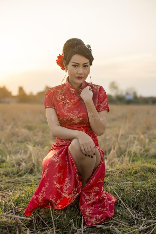 Free Chinese Woman Red Dress Traditional Cheongsam Stock Photo - 49580130