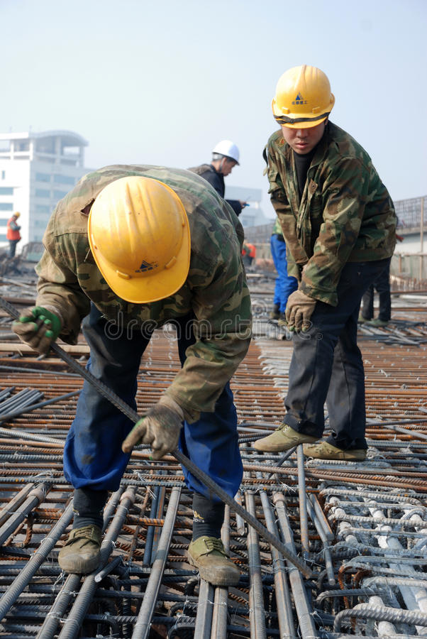 Free Chinese Workers Construct Viaduct Royalty Free Stock Image - 37021396