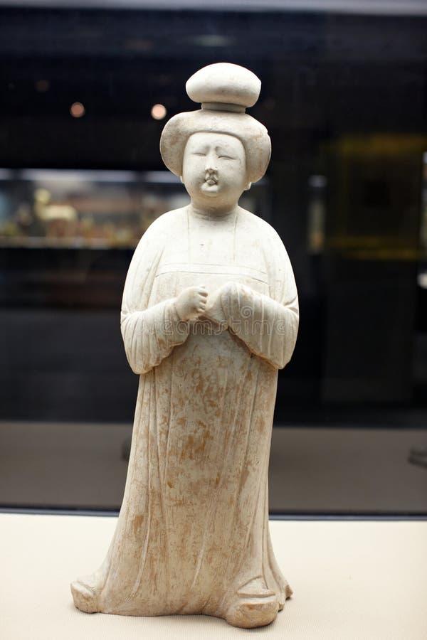 Chinesische alte Frauenstatue der Zapfendynastie lizenzfreie stockbilder