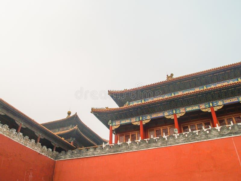 Chinesische Dächer in Verbotener Stadt Peking lizenzfreies stockfoto