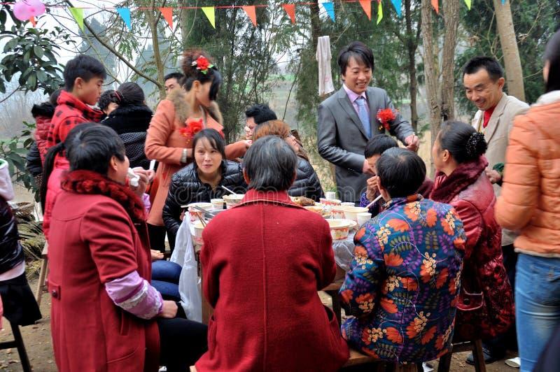 Chinesische Dorf-Hochzeit lizenzfreie stockfotografie