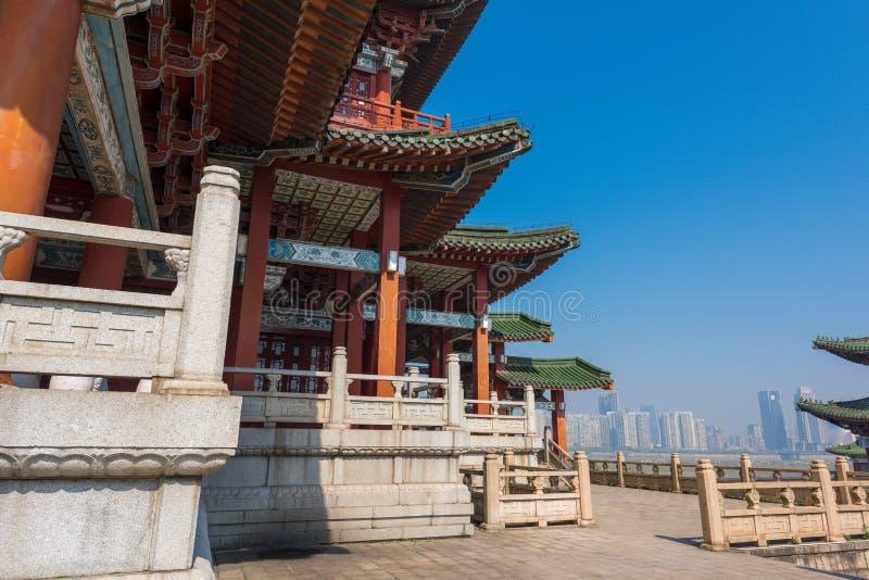Chinesische Eimerbogendachgesimse 3-Pavilion von Pavillon Prinzen TengTengwang stockbilder