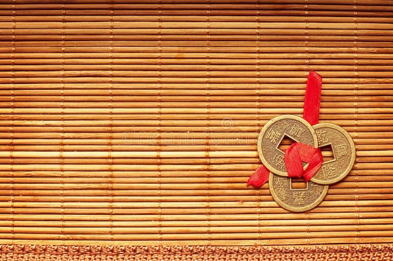 Chinesische glückliche Münzen stockbild