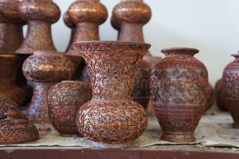 Chinesische keramische Tonwaren-Herstellung - kupfernes Rahmenstadium lizenzfreie stockfotos