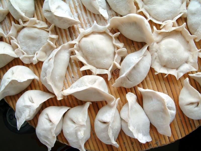 Chinesische Nahrung des Mehlkloßes (Jiaozi) stockfotos