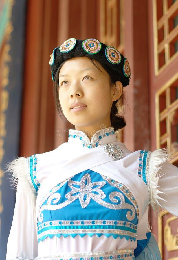 Chinesische Naxi Frau lizenzfreie stockfotografie