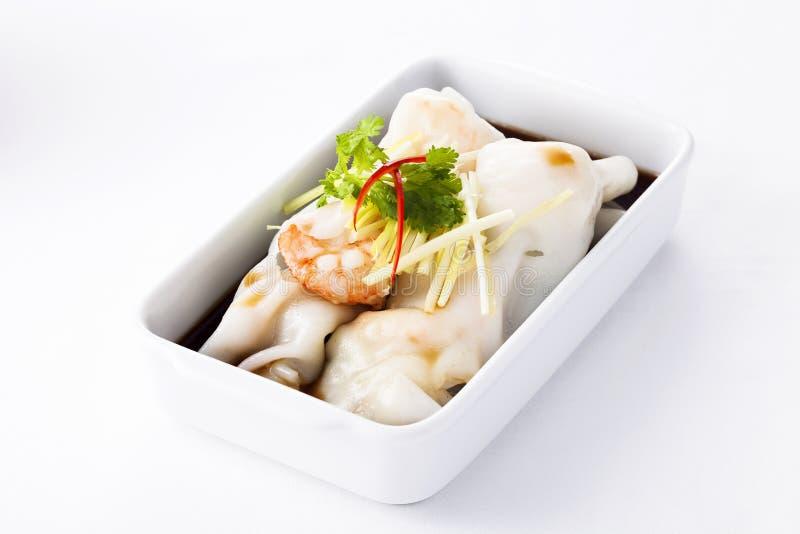 Chinesische Reisrolle der Tradition mit Garnelen stockfotos