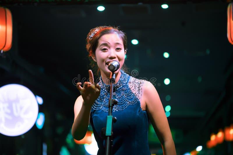 Chinesische Sängerin stockfotos