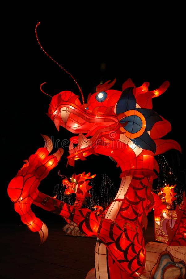 Chinesische traditionelle Drachelaterne lizenzfreie stockfotografie