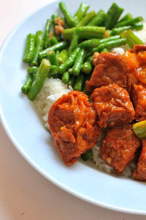 Chinesische Vegetarierspott-Huhn-Küche Stockfoto - Bild von menü ...